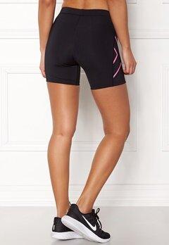 2XU Core Compression Shorts Black/Fluro Pink Bubbleroom.eu