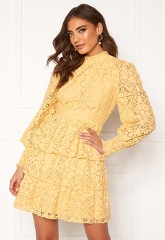 Alexandra Nilsson X Bubbleroom Lace dress Yellow Bubbleroom.eu