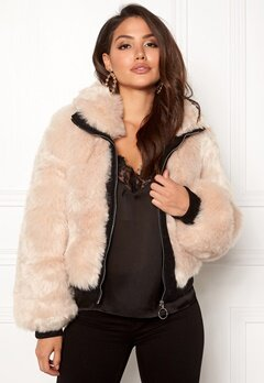 AMO Couture Amalfi Faux Fur Short Coat Soft Beige Bubbleroom.eu