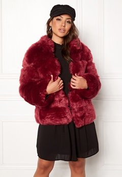 AMO Couture Phantom Faux Fur Short Coat Deep Red Bubbleroom.eu