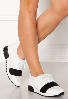 Truffle Betty Sneakers Wht Bubbleroom.eu