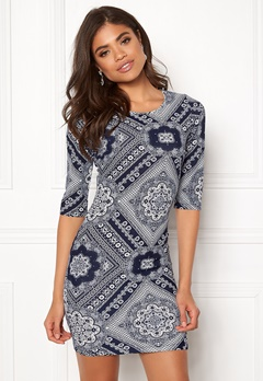 BUBBLEROOM Kecia dress White / Blue / Patterned Bubbleroom.eu