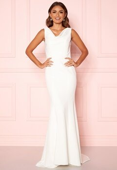 Chi Chi London Orlaith Open Back Dress White Bubbleroom.eu