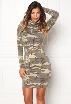 Chiara Forthi Camo lounge dress  Bubbleroom.eu