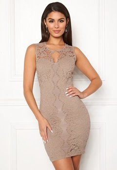 Chiara Forthi Corso scallop lace dress Light nougat Bubbleroom.eu