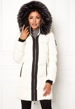 Chiara Forthi Harbin Down Puffer Winter white Bubbleroom.eu