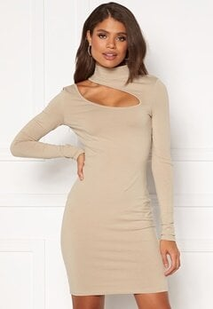 Chiara Forthi Mariam cut out dress Light nougat Bubbleroom.eu