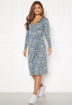 Chiara Forthi Sonnet wrap midi dress Blue / Floral Bubbleroom.eu