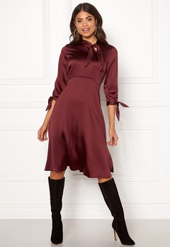 Closet London Tie Neck A-Line Dress Burgundy Bubbleroom.eu