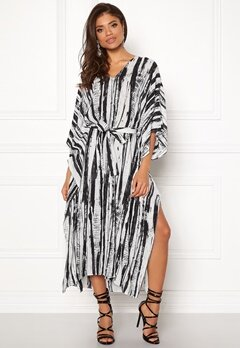 DAGMAR Vanya Dress White/black Print Bubbleroom.eu