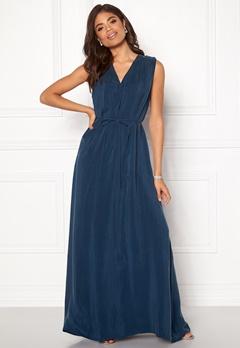 DAGMAR Wande Dress Midnight Blue Bubbleroom.eu