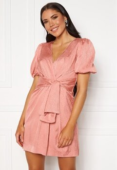 FOREVER NEW Ellie Jacquard Mini Dress Pastel Salmon Bubbleroom.eu