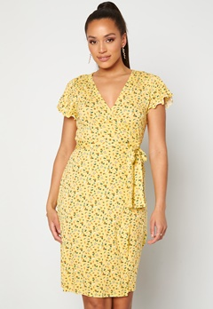 Happy Holly Amanda wrap dress Light yellow / Floral Bubbleroom.eu