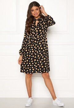 Happy Holly Claire dress Patterned Bubbleroom.eu