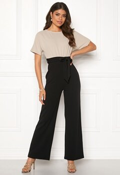 Happy Holly Natalie jumpsuit Light beige / Black Bubbleroom.eu