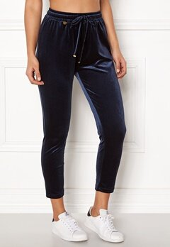 Happy Holly Pearl velour pants Dark blue Bubbleroom.eu