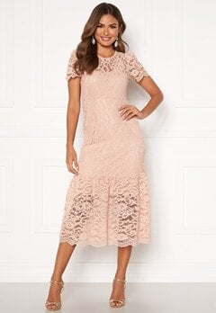 Happy Holly Taylor occasion lace dress Light pink Bubbleroom.eu