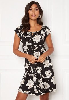 Happy Holly Tessan dress Floral Bubbleroom.eu