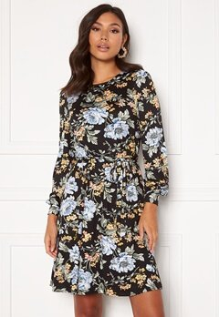 Happy Holly Tova dress Floral Bubbleroom.eu