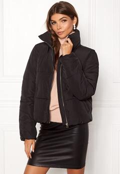 Jacqueline de Yong Erica Short Padded Jacket Black Bubbleroom.eu
