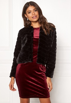 Jacqueline de Yong Evan Short Fake Fur Jacke Black Bubbleroom.eu