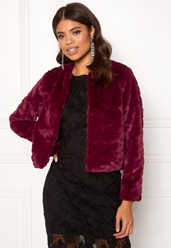 Jacqueline de Yong Evan Short Fake Fur Jacke Red Plum Bubbleroom.eu
