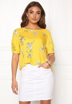 Jacqueline de Yong Kenya 2/4 Top Lemon/Flower Bubbleroom.eu