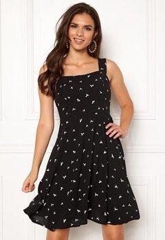 Jacqueline de Yong Victory Strap Dress Black Bubbleroom.eu