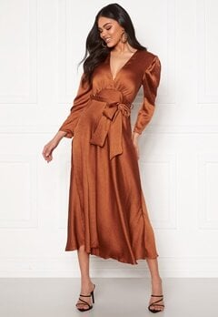 John Zack Deep V Maxi Dress Bronze Bubbleroom.eu