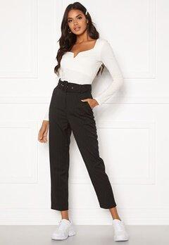 Make Way Elin belted trousers Black / Striped / White Bubbleroom.eu
