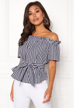 Make Way Kassey off shoulder top Black / White / Checked Bubbleroom.eu
