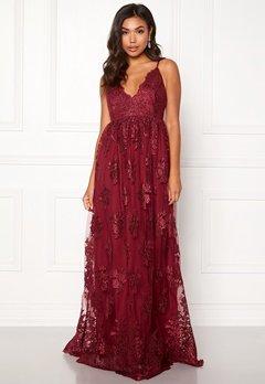 Moments New York Gardenia Lace Gown Dark wine-red Bubbleroom.eu