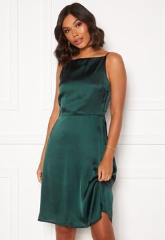 Moments New York Laylani Satin Dress Dark green Bubbleroom.eu