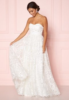 Moments New York Peony Wedding Gown  Bubbleroom.eu