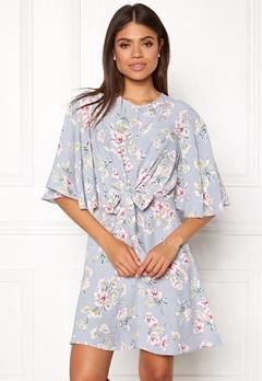 New Look Frances Floral Knot Dress Light Grey Bubbleroom.eu
