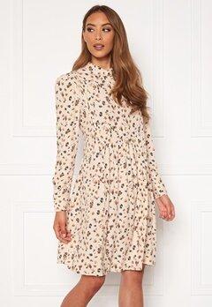 OBJECT Nelle L/S Short Dress Sandshell AOP Bubbleroom.eu