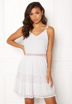 ONLY Annie S/L Lace Blocking Dress Cloud Dancer Bubbleroom.eu