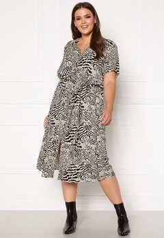 Only Carmakoma Tukzu SS Calf Shirt Dress Ecru, AOP Leoness Bubbleroom.eu