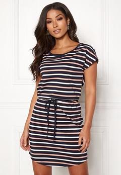 c83120193d0d Dresses - Buy your stylish dress online   Bubbleroom