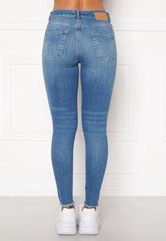 Pieces Delly Cropped Jeans Light blue denim Bubbleroom.eu