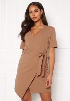 Pieces Natrine 2/4 Wrap Dress Tannin Bubbleroom.eu