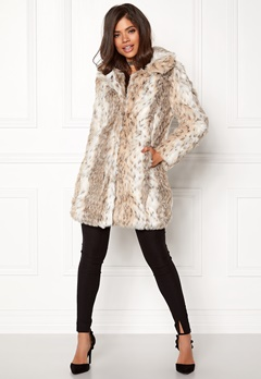 QED London Leopard Faux Fur Coat Snow Leopard Bubbleroom.eu