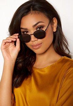 Quay Australia Crazy Love Sunglasses Black/Smoke Lens Bubbleroom.eu
