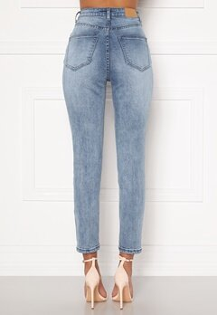 Sandra Willer X Bubbleroom Slim fit mom jeans Light blue Bubbleroom.eu