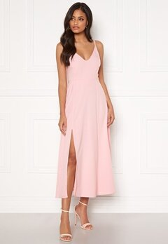 Sandra Willer X Bubbleroom Slit dress Light pink Bubbleroom.eu