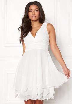 Sisters Point Germ Dress 100 White Bubbleroom.eu