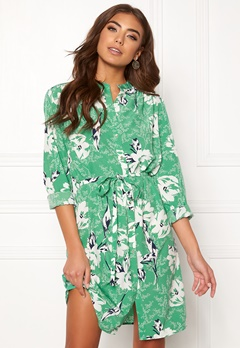 Sisters Point Valsi Dress 301 Green Combi. Bubbleroom.eu