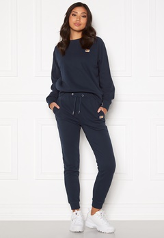 Svea W.Mon Svea Sweat Pants 600 Navy Bubbleroom.eu