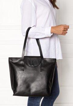 TIGER OF SWEDEN Louise Tote Bag 050 Black Bubbleroom.eu
