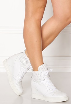 UMA PARKER Boston Shoes White Bubbleroom.eu